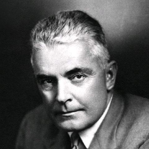 Milton Erickson a consacré de nombreux travaux à l'hypnose thérapeutique.